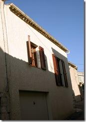 Construction d'une maison dans le village de Roumoules