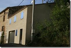 Construction d'une maison dans le village de Montagnac